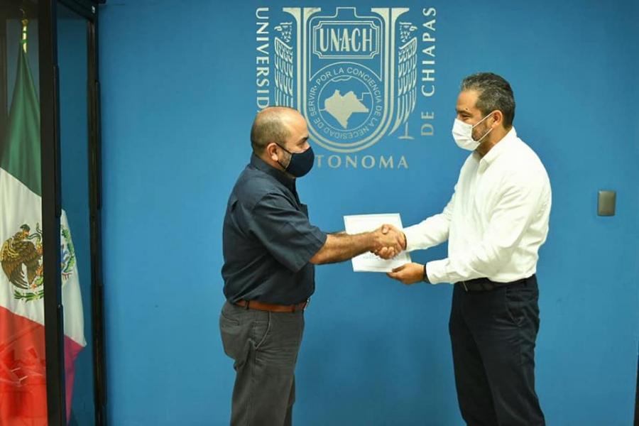 Felicitaciones al Mtro. Jorge Humberto Trujillo Rincón, nuevo encargado de la Dirección de la Facultad de Contaduría y Administración CI